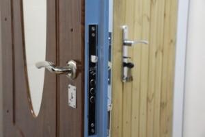 Офис (выставленные входные металлические двери)