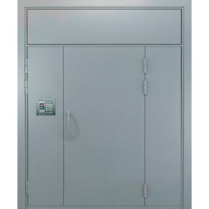 Металлическая полуторная дверь в подъезд с фрамугой сверху и глухарем сбоку «Парадная-3»