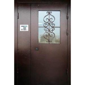 Металлическая подъездная дверь с армированным стеклом и решеткой «Парадная-2»